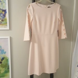 Vince Camuto cutout sleeve dress size 6 NWT
